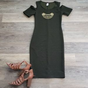Long Green and Black Body Con Cold Shoulder Small